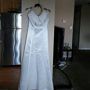 Mon Cheri Dresses - NWT Mon Cheri bridal dress